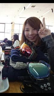 女性,風景,空,建物,冬,スポーツ,雪,都会,人,笑顔,スキー,運動,スノーボード,ウィンタースポーツ,テキスト,アイス スケート