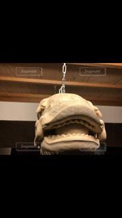 木の彫刻の顔の写真・画像素材[4093157]