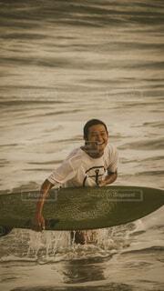 サーフィンの写真・画像素材[4090475]