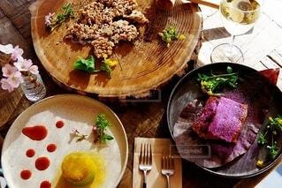 食べ物,スイーツ,花,桜,カラフル,フラワー,食器,ワイン,たくさん,レストラン,ワイングラス,フォトジェニック,色・表現,感覚・感情