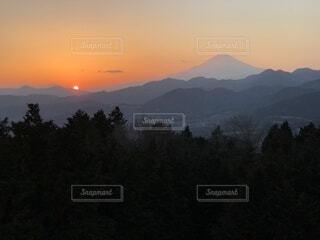 自然,風景,空,屋外,雲,夕暮れ,山,樹木,日の出,高原,バック グラウンド