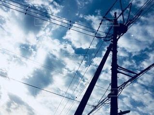 空,屋外,雲,電線,電気,ケーブル,明るい,景観,日中,ライン,ワイヤー,電線路,電源供給