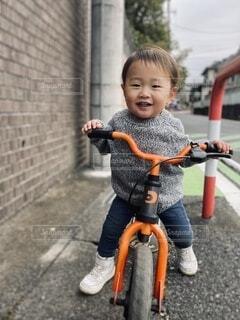 子ども,自転車,屋外,散歩,道路,幼児