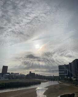 自然,風景,空,建物,屋外,太陽,朝日,雲,川,高層ビル,天使の梯子