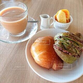 食べ物,カフェ,朝食,パン,モーニング,ミルクティー