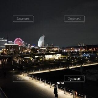 風景,夜,海岸,都市,景色,イルミネーション,都会,遊園地,ライトアップ,高層ビル,横浜,東京湾,みなとみらい,コスモワールド