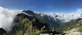 自然,風景,空,山,登山,新緑,旅,山脈,北アルプス,天空,鹿島槍ヶ岳,山塊