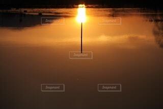 空,屋外,湖,太陽,夕暮れ,水面,反射,リフレクション