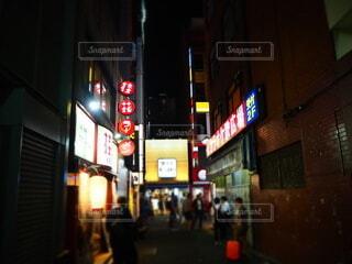 建物,夜,屋外,看板,都会,通り,テキスト,電子看板