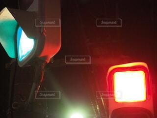 夜,屋外,信号,明るい,ミラー,通り,交通,車両,点灯,自動車部品,陸上車両