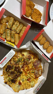 食べ物,飲み物,ディナー,チーズ,料理,美味しい,パーティー,出前,ポテト,宅配,テイクアウト,ファストフード,ピザ,デリバリー,お持ち帰り