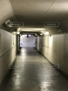 建物,屋内,床,壁,地下鉄,地下道,天井,ホラー,怖い