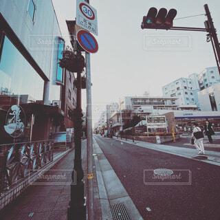 空,屋外,看板,夕方,レトロ,都会,オシャレ,信号,写真,通り,兵庫県,元町,散歩途中,写真好き,カメラ好き,北野異人間街,加工少なめ
