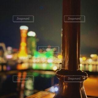 夜,赤,カラフル,黒,水面,夕方,観光,ポートタワー,明るい,ハーバーランド,関西,兵庫県,神戸市,さんほ,街路灯