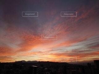 風景,空,屋外,太陽,雲,山,夜明け,オレンジ,朝焼け,日の出,朝の赤い空