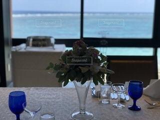 花,花瓶,窓,水面,テーブル,食器,ワイングラス