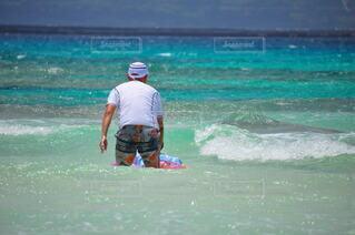 男性,風景,海,スポーツ,屋外,サーフィン,ビーチ,波,水面,泳ぐ,マリンスポーツ