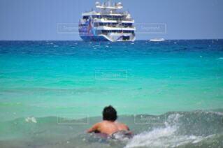 男性,風景,海,空,屋外,サーフィン,ビーチ,波,船,水面,泳ぐ,マリンスポーツ