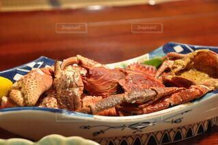 食べ物,食事,屋内,テーブル,皿,貝,肉,カニ,エビ,シーフード,魚介類,ロブスター,甲殻類,珍味,カニのボイル