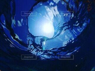 空の青と海の青の写真・画像素材[4049447]