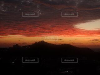 風景,空,屋外,赤,雲,黒,夕暮れ,山,壮大,淡い