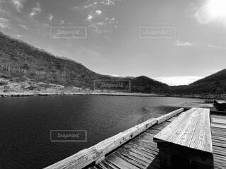 自然,風景,空,屋外,湖,水面,山,黒と白