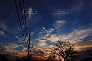 空,屋外,雲,青,夕焼け,夕暮れ,夕方,景色,オレンジ,電柱
