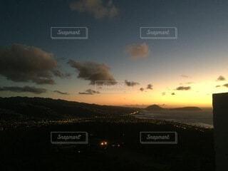 自然,空,雲,暗い,山,外国,街並,日の出,ホノルル