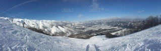 自然,風景,空,冬,雪,屋外,雲,山,氷,丘,人,スキー,運動,ゲレンデ,高原,スノーボード,斜面,ウィンタースポーツ,日中,覆う,氷河地形