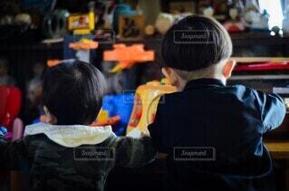 仲良し兄弟の写真・画像素材[4052359]