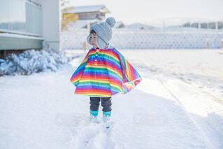 雪を楽しむ子供の写真・画像素材[4065190]