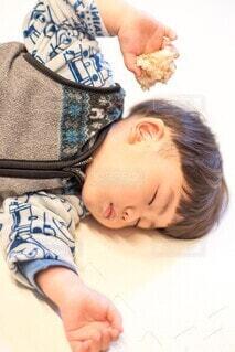 食べ寝の写真・画像素材[4124025]