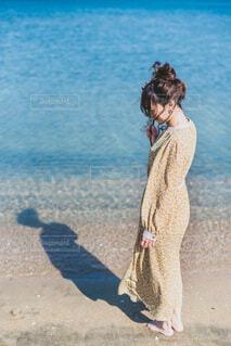 海と女性の写真・画像素材[4224979]