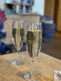 テーブル,食器,ワイン,ドリンク,シャンパン,シャンパングラス,ワイングラス