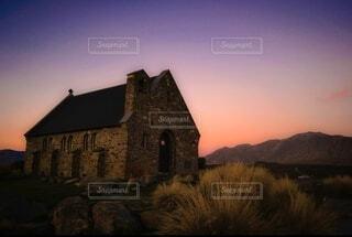 風景,空,建物,夜,屋外,雲,夕焼け,城,景色,光,家,教会,納屋,チャーチ