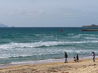 自然,海,空,サーフィン,ビーチ,砂浜,波,水面,海岸,人物,渚,日中,ウィンドサーフィン