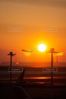 空,屋外,太陽,朝日,空港,正月,日本,お正月,日の出,明るい,新年,初日の出,羽田空港,初日の出フライト