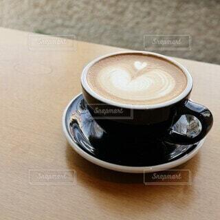 カフェ,風景,カメラ女子,コーヒー,屋内,東京,散歩,景色,撮影,街,テーブル,座る,カップ,エスプレッソ,ドリンク,ラテ,コーヒースタンド,カフェ巡り,コーヒー カップ