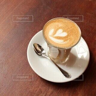 カフェ,風景,カメラ女子,コーヒー,屋内,東京,散歩,景色,撮影,街,テーブル,座る,食器,カップ,エスプレッソ,カフェオレ,ドリンク,ラテ,コーヒースタンド,カフェ巡り,コーヒー カップ