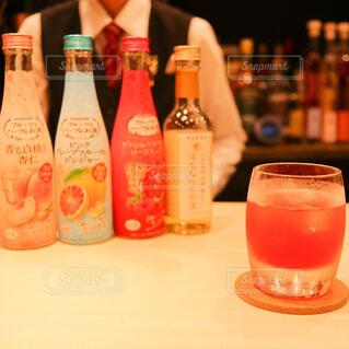 屋内,ジュース,ボトル,ビール,カクテル,バー,ドリンク,BAR,ソフトド リンク,PR,養命酒,養命酒酒造
