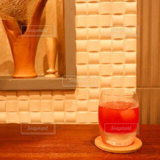 屋内,テーブル,ボトル,ビール,カップ,カクテル,バー,ドリンク,BAR,ソフトド リンク,PR,養命酒,養命酒酒造