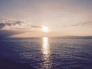 風景,海,空,屋外,湖,太陽,雲,夕暮れ,船,水面,海岸,サンセット