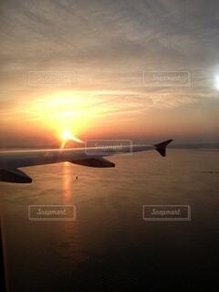 夕暮れ,機内からの夕陽1
