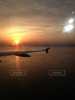 夕暮れ,機内からの夕陽2