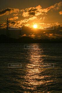 自然,風景,海,太陽,朝日,雲,水面,港,正月,お正月,日の出,新年,初日の出