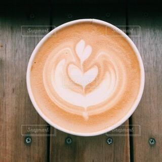 温かいコーヒーでひと休みしようの写真・画像素材[4072391]