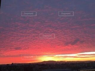 ピンク,朝日,赤,雲,正月,お正月,日の出,新年,初日の出,黄金,朝の赤い空,山辺