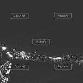 夜,夜景,モノクロ,船,港,デート,ウェディング,街路灯,黒と白