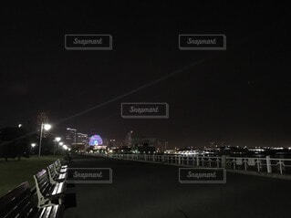 夜,夜景,屋外,港,デート,街路灯