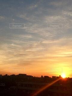 空,太陽,朝日,雲,ベランダ,光,正月,お正月,日の出,オレンジ色,新年,初日の出,バルコニー,インスタ映え